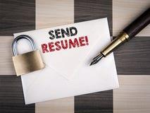 Στείλετε την έννοια περιλήψεων Επιστολή και μάνδρα εγγράφου στοκ φωτογραφίες