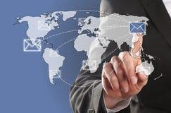 Στείλετε ένα ηλεκτρονικό ταχυδρομείο Στοκ φωτογραφία με δικαίωμα ελεύθερης χρήσης