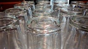 στενά γυαλιά μπύρας επάνω Στοκ εικόνα με δικαίωμα ελεύθερης χρήσης