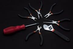 στενά παλαιά σκουριασμένα γρατσουνισμένα εργαλεία χεριών επάνω Στοκ φωτογραφία με δικαίωμα ελεύθερης χρήσης
