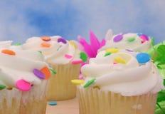 στενά cupcakes επάνω στοκ εικόνες