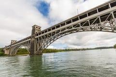 Στενά Menai και η γέφυρα Britannia από κάτω από στοκ εικόνες