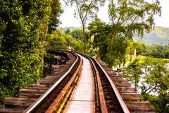 στενές διαδρομές σιδηροδρόμου γραμμών ημέρας δύο επάνω Στοκ Φωτογραφίες