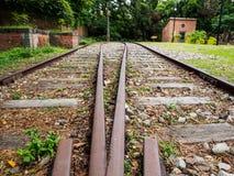 στενές διαδρομές σιδηροδρόμου γραμμών ημέρας δύο επάνω Στοκ Εικόνες