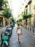 Στενές οδοί της Νάπολης στοκ εικόνες με δικαίωμα ελεύθερης χρήσης