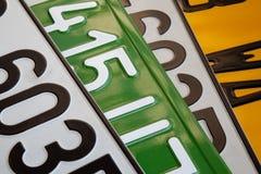 στενές πινακίδες αριθμού & Στοκ φωτογραφίες με δικαίωμα ελεύθερης χρήσης