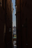 Στενή άποψη η παλαιά πόλη στοκ εικόνα