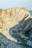 Στενή άποψη του όρμου τρυπών σκαλοπατιών στο Dorset, νότια Αγγλία Στοκ εικόνα με δικαίωμα ελεύθερης χρήσης