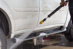 στενή έννοια καθαρότητας αυτοκινήτων επάνω στην πλύση Στοκ Εικόνα