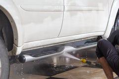 στενή έννοια καθαρότητας αυτοκινήτων επάνω στην πλύση Στοκ Εικόνες