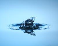 στενή απελευθέρωση επάν&omega Γλυπτό νερού Στοκ φωτογραφίες με δικαίωμα ελεύθερης χρήσης