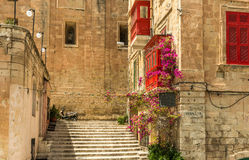 Στενή οδός στη Μάλτα στοκ φωτογραφία με δικαίωμα ελεύθερης χρήσης