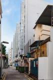 Στενή πίσω αλέα στην πόλη της Σιγκαπούρης Στοκ Εικόνες