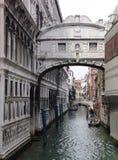στεναγμοί Βενετία γεφυ&rho Στοκ φωτογραφία με δικαίωμα ελεύθερης χρήσης