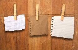 στενοί γόμφοι σημειώσεων ενδυμάτων επάνω Στοκ εικόνες με δικαίωμα ελεύθερης χρήσης