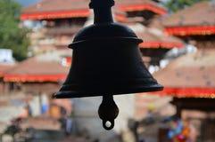Στενός ένας επάνω ενός κουδουνιού μετάλλων στην πλατεία Durbar, Κατμαντού, Νεπάλ στοκ φωτογραφία
