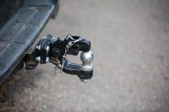 Στενός επάνω εμποδίου ρυμούλκησης αυτοκινήτων Στοκ Εικόνες