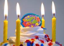 στενός επάνω κέικ γενεθλίων Στοκ Φωτογραφίες