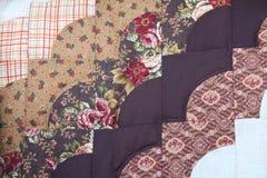 Στενός επάνω παπλωμάτων Amish του σχεδίου στο Ντελαγουέρ Στοκ Εικόνες