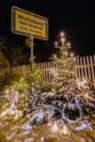 στενός κόκκινος χρόνος Χριστουγέννων ανασκόπησης επάνω Στοκ Φωτογραφίες