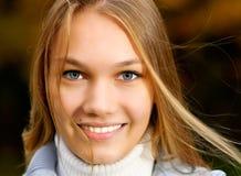 στενός μαλλιαρός μακρύς κοριτσιών επάνω Στοκ φωτογραφίες με δικαίωμα ελεύθερης χρήσης
