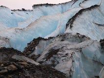 στενός παγετώνας crevasse επάνω στην όψη στοκ φωτογραφία