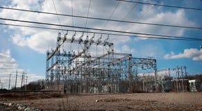 στενός σταθμός ηλεκτρικής δύναμης επάνω Στοκ Εικόνα