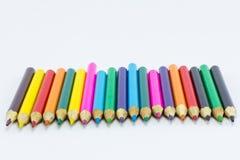στενό απομονωμένο χρώμα λευκό μολυβιών ανασκόπησης επάνω Στοκ Εικόνες