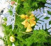 στενό δέντρο Χριστουγέννω&n Στοκ φωτογραφία με δικαίωμα ελεύθερης χρήσης