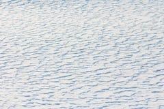 στενό λευκό χιονιού ανασκόπησης επάνω Στοκ Εικόνες