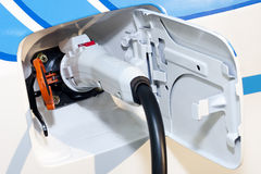 στενό ηλεκτρικό υβριδικό & Στοκ εικόνες με δικαίωμα ελεύθερης χρήσης