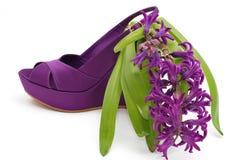 στενό παπούτσι πλατφορμών λουλουδιών μόδας επάνω Στοκ Φωτογραφίες