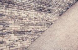 στενό πλάνο τούβλου ανασκόπησης επάνω Γκρίζοι τουβλότοιχος και αμμοχάλικο Γκρίζο γεωμετρικό υπόβαθρο στοκ εικόνες με δικαίωμα ελεύθερης χρήσης