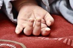στενό χέρι s μωρών επάνω Στοκ Εικόνες