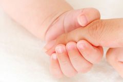 στενό χέρι s μωρών επάνω Στοκ φωτογραφία με δικαίωμα ελεύθερης χρήσης