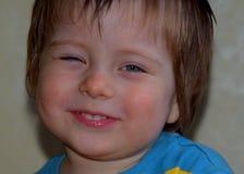 στενό χαμόγελο παιδιών επάνω στην όψη Στοκ φωτογραφίες με δικαίωμα ελεύθερης χρήσης