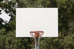 Στεφάνη καλαθοσφαίρισης με την άσπρη ράχη Στοκ φωτογραφίες με δικαίωμα ελεύθερης χρήσης