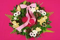 Στεφάνι διακοπών Χριστουγέννων με τα μπισκότα Στοκ φωτογραφία με δικαίωμα ελεύθερης χρήσης