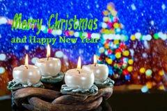 Στεφάνι εμφάνισης με τη Χαρούμενα Χριστούγεννα κειμένων στοκ εικόνες