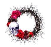 Στεφάνι - κρανία, κόκκινα τριαντάφυλλα, κλάδοι Σύνορα αποκριών Watercolor grunge Στοκ φωτογραφία με δικαίωμα ελεύθερης χρήσης