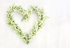 Στεφάνι λουλουδιών των lilys της κοιλάδας Στοκ Φωτογραφία