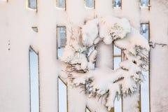 Στεφάνι χειμερινών Χριστουγέννων Στοκ φωτογραφία με δικαίωμα ελεύθερης χρήσης