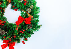 Στεφάνι Χριστουγέννων σε ένα μαύρο υπόβαθρο Στοκ Εικόνα