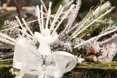 Στεφάνι Χριστουγέννων στο λευκό Στοκ Εικόνες