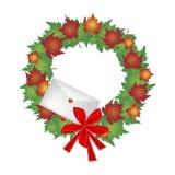 Στεφάνι Χριστουγέννων των φύλλων σφενδάμου και του φακέλου Στοκ Εικόνες