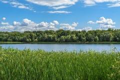 Στην ακτή ποταμών Στοκ Φωτογραφία