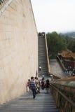 Στην Ασία, Κίνα, Πεκίνο, το θερινό παλάτι, πύργος βουδιστικού Incens, τα υψηλά βήματα Στοκ Φωτογραφίες