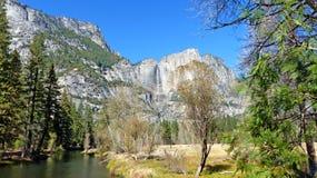 Στην κοιλάδα Yosemite σε Καλιφόρνια Στοκ φωτογραφία με δικαίωμα ελεύθερης χρήσης
