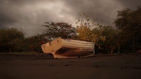 στην ξηρά βάρκα Στοκ Εικόνα