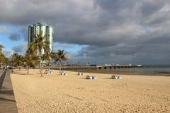 Στην παραλία Arrecife, πρωτεύουσα Lanzarote, Κανάρια νησιά, Ισπανία Στοκ Εικόνες
